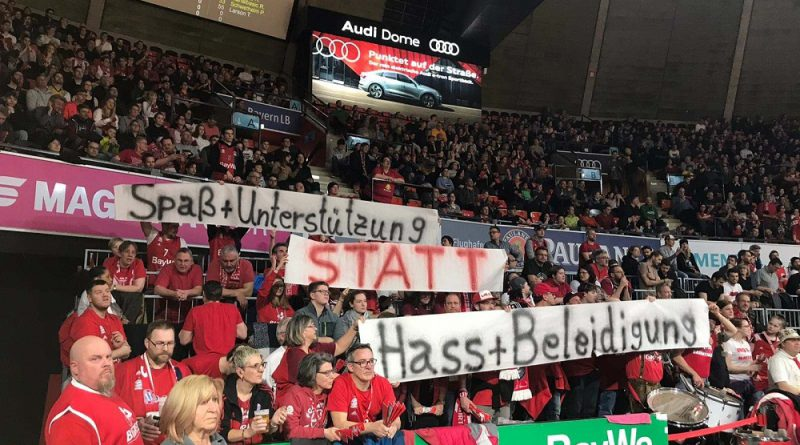 BIGREDS, Transparent gegen Hass, Aktion für Dietmar Hopp, Fan-Choreo